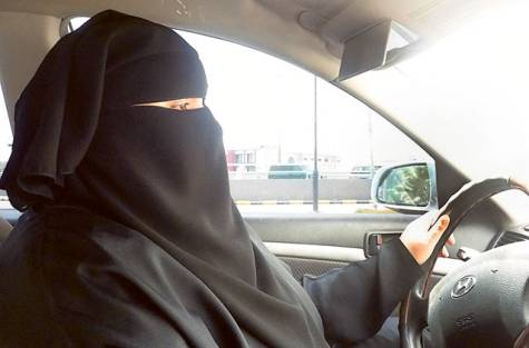 Saudi campaigner Aziza al Yousef has been stopped by police as she was driving through Riyadh photo