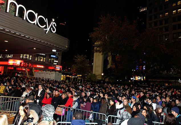 Shoppers eager to catch all Black Friday's best bargains have been able to make an even earlier start to their holiday shopping, as a record number of stores opened on Thanksgiving Day