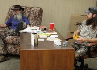 Si Robertson communicates telepathically to Jase Robertson on his birthday
