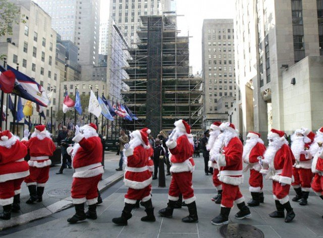 The annual New York City Sidewalk Santa Parade has been canceled after more than a century due to rising costs involved in organizing the event 640x472 photo