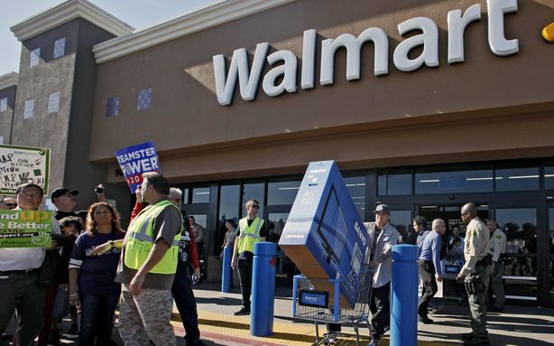 Wal-Mart announced that it will begin its in-store Black Friday sales at 6 p.m. on Thanksgiving Day, two hours earlier than last year