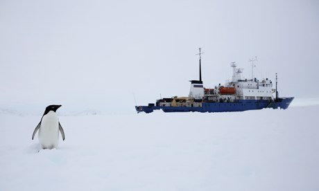 An Australian vessel is en route to East Antarctica in a renewed bid to free Akademik Shokalskiy  photo