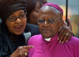Archbishop Desmond Tutu has said he will not be going to Nelson Mandela's funeral because he has not been invited