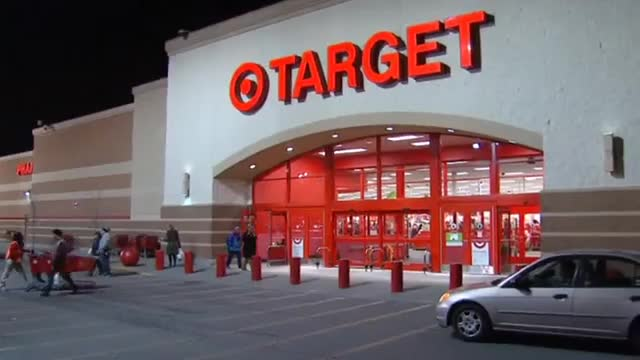 Target data breach: Chase limits debit card use for customers at risk