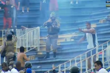 Brazil league soccer match in Joinville was stopped by fans violence