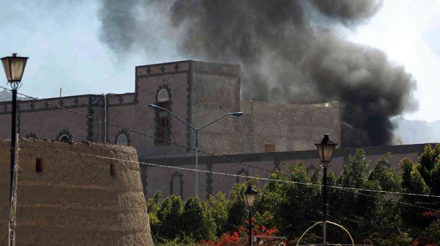 Deadly attacks hit Yemen defense ministry in Sanaa