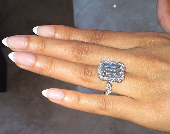 Evelyn Lozada has announced her engagement to Carl Crawford on Christmas Day photo