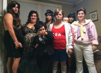 Honey Boo Boo's family chose another famous family to dress up for Halloween, the Kardashians