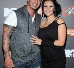 Jwoww and Roger Mathews got engaged in September 2012