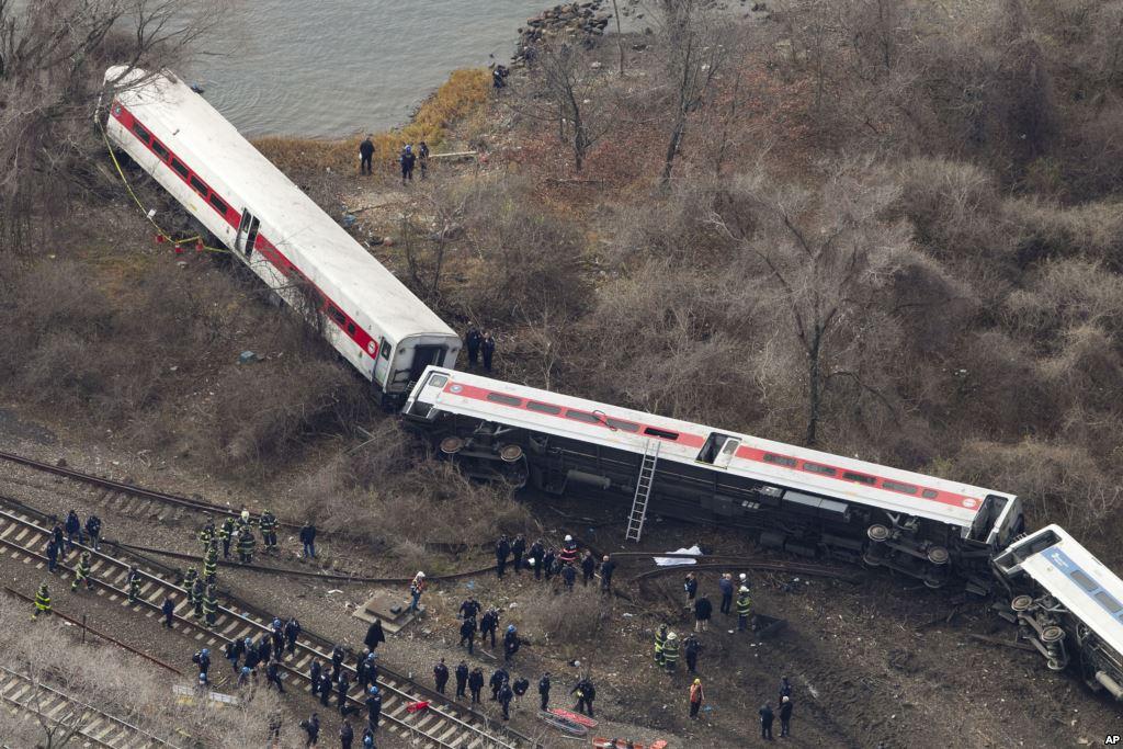 Metro-North-train-that-crashed-in-New-Yo