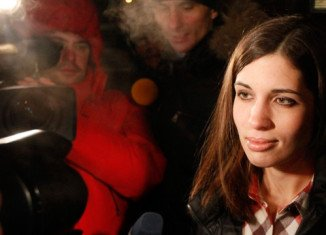 Pussy Riot's Nadezhda Tolokonnikova has called for foreign countries to boycott February's Sochi Winter Olympics