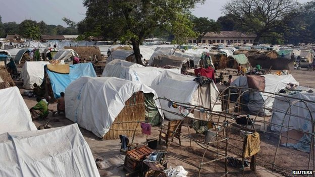 The town of Bossangoa in the Central African Republic has been paralyzed by communal fighting