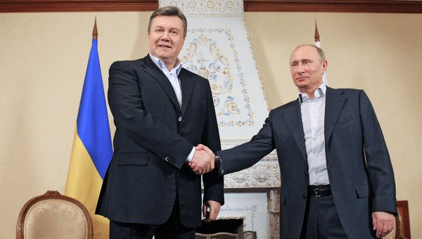 Ukraine's President Viktor Yanukovych and his Russian counterpart Vladimir Putin