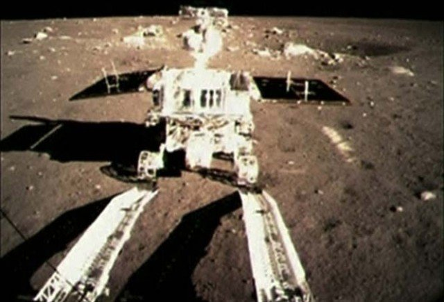 Chinese Moon rover Jade Rabbit is in trouble after experiencing a mechanical control abnormality