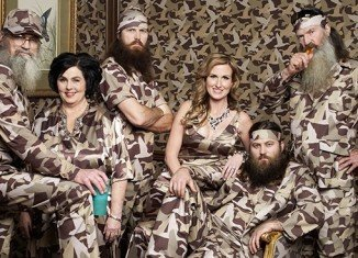Duck Dynasty Season 5 premiered last night with the bearded Robertson clan debating the artistic superiority of the Air Bud versus Jason Bourne film franchise