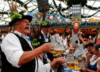 German authorities have fined five big breweries a total of 106.5 million euros for illegal price-fixing