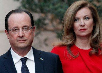 President Francois Hollande has visited First Lady Valerie Trierweiler in hospital for the first time since reports of his alleged affair
