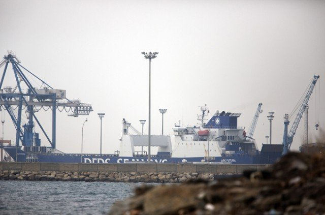 The first Syrian chemical weapons are leaving the country on a Danish ship