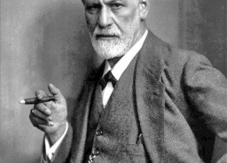 Thieves have tried to steal an urn containing Sigmund Freud's ashes in a raid on a north London crematorium
