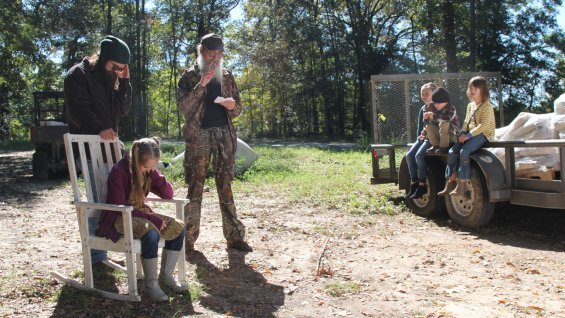 Uncle Si Robertson organized an age-inappropriate treasure hunt for Jep's kids