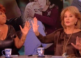 Barbara Walters defended Woody Allen from allegations by his estranged daughter Dylan Farrow