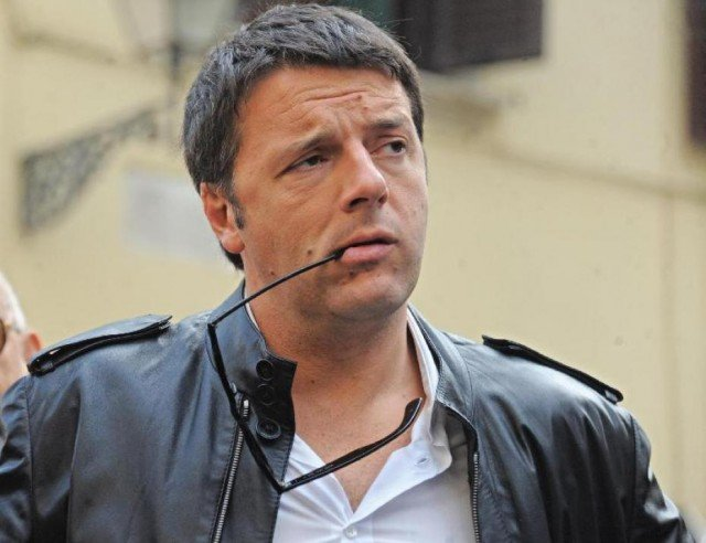 Matteo Renzi is expected to be offered to become Italian prime minister, as talks begin on forming a new government