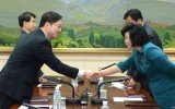 North Korea and South Korea are to hold rare high-level talks ahead of family reunions