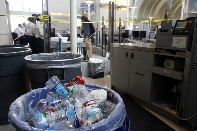 The US has banned all liquids from carry-on bags on nonstop flights to Russia, on the eve of the Sochi Winter Olympics