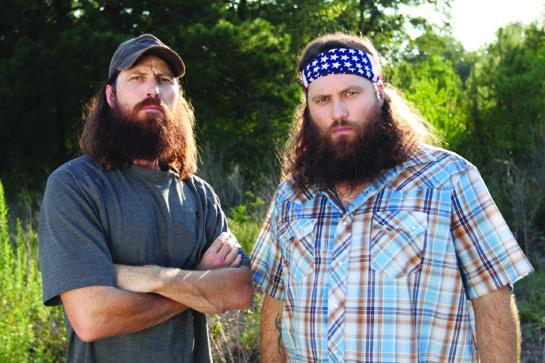 Willie and jase robertson settle beef in redneck style Better homes and gardens episode last night