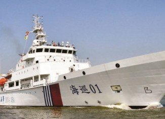 Chinese and Australian ships have failed to identify objects from the missing Malaysia Airlines flight MH370