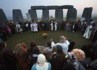 Druids and pagans mark Spring Equinox among Stonehenge's standing stones