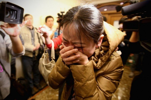 Relatives of the missing passengers of Malaysia Airlines flight have been told to prepare for the worst 640x426 photo