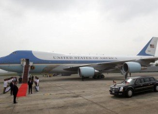 Barack Obama arrives in Philippines, the final stop of his four-nation Asia tour