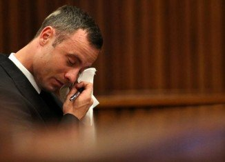 During his emotional testimony Oscar Pistorius said Reeva Steenkamp died before the ambulance arrived while he was holding her