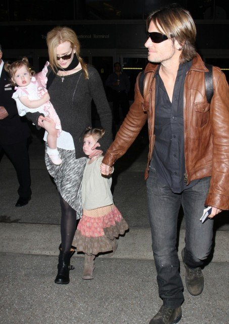 Keith Urban is supposedly spending much of his time jetting from Los Angeles to Sydney to visit Nicole Kidman and their two daughters