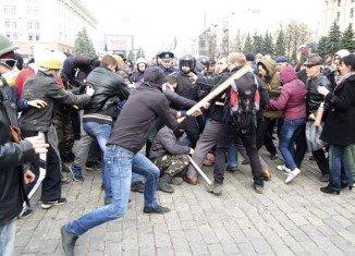 The US has warned Russia against stirring separatist sentiment in eastern Ukraine