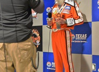 Uncle Si Robertson sported a red jumpsuit and was planning to serve as the grand marshal at Duck Commander 500