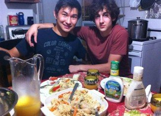 Dias Kadyrbayev texted Dzhokhar Tsarnaev shortly after the FBI publicly released photos of Tsarnaev brothers