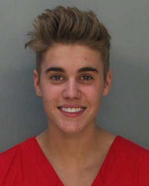 Justin Bieber asks his fans not to believe rumors after he was linked to an attempted robbery
