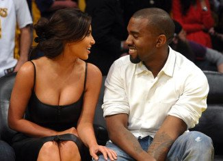 Kim Kardashian has chosen her sisters as bridesmaids for her wedding with Kanye West