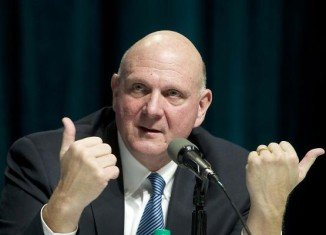 Microsoft ex-CEO Steve Ballmer has reached a deal to buy the Los Angeles Clippers basketball team for $2 billion