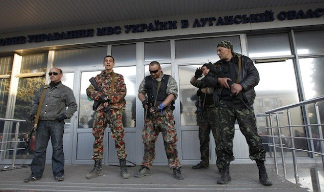Pro-Russian separatists in eastern Ukraine have decided to go ahead with an independence referendum on Sunday
