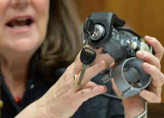 The US government has fined GM $35 million for delays in recalling small cars with faulty ignition switches