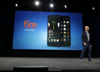 Amazon Fire Phone allows its users to change an image's perspective by moving their head