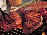 Eating a lot of red meat in early adult life may slightly increase the risk of breast cancer