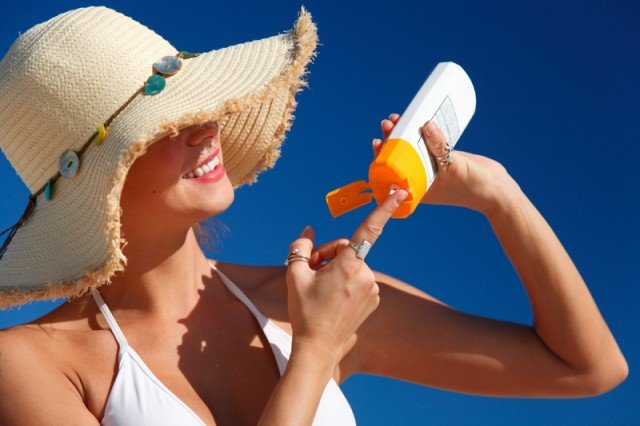 Researchers say sunscreen should be combined with other ways to protect the skin from sun, such as hats and shade