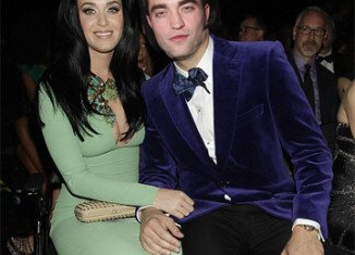 Robert Pattinson and Katy Perry were looking cozy during a post-premiere party in Los Angeles