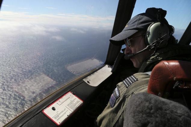 The search for missing Malaysian jet MH370 will move hundreds of miles south