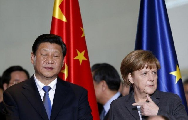 Angela Merkel has begun a three-day visit to China with trade issues high on the agenda