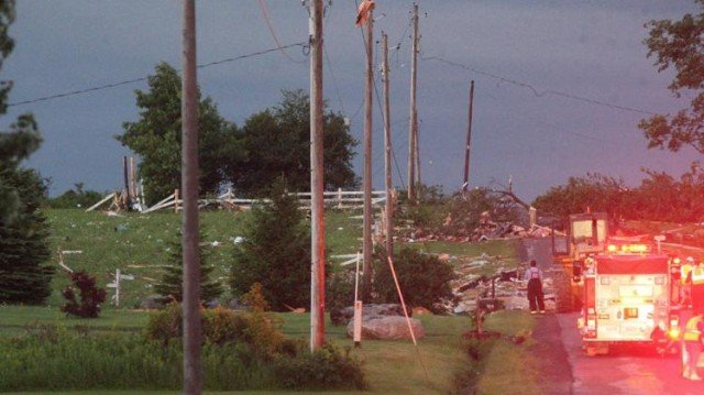 Four residents of the rural town of Smithfield were found dead after several homes were destroyed by the fast moving storms 640x359 photo